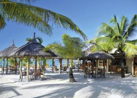 Posezení u hotelu Preskil Beach Resort, Pointe Jerome